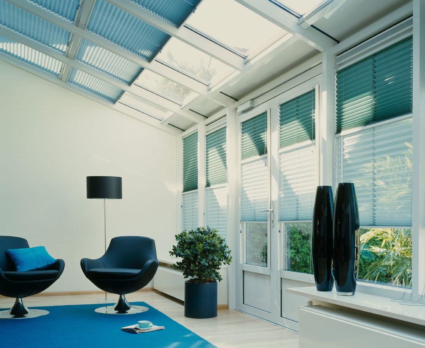 Plisses buitink zonwering rolluiken garagedeuren en terra - Gordijnen voor overdekt terras ...
